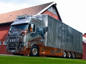 supertruck-fernfahrer-02-2011-volvo-fh-16-xxl-t-rex-von-oscar-holgersson-aus-schweden-truck-fotoshowimage-42996954-42297