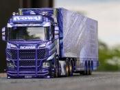 Purple Rain Truck der Spedition TOWA